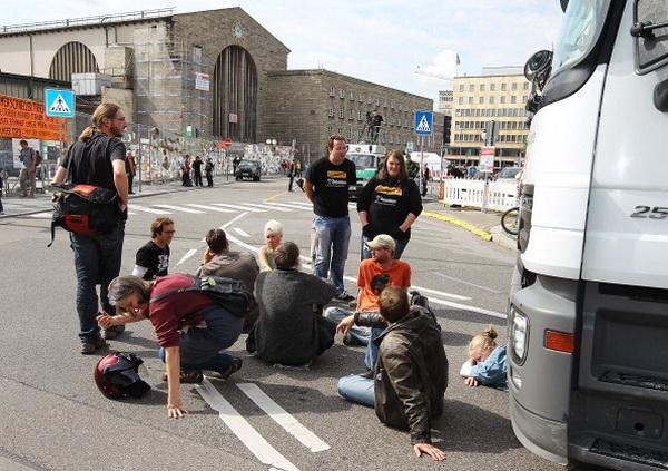 Фоторепортаж об акции протеста против строительства железнодорожного вокзала «Штутгарт 21» в Германии. Фото: Thomas Niedermueller/Getty Images