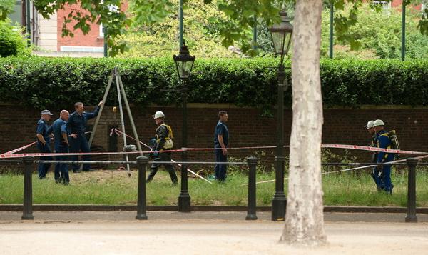Фоторепортаж о чрезвычайном положении в Лондоне, в связи с угрозой теракта. Фото: AFP PHOTO / LEON NEAL
