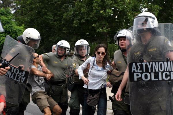 Фоторепортаж об акции протеста в Афинах против принятия мер бюджетной экономии. Фото: Milos Bicanski/Getty Images
