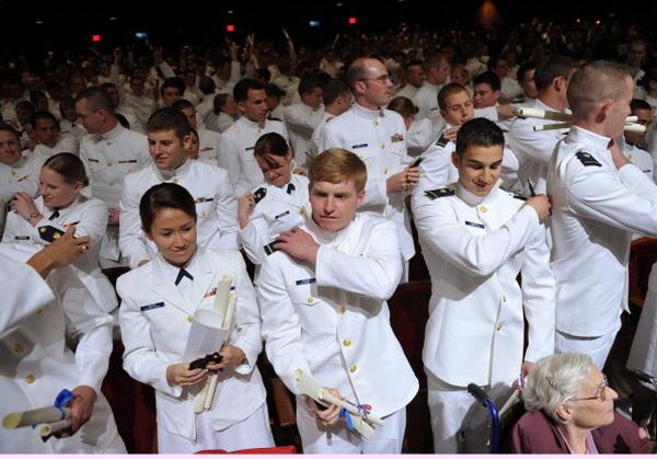 Фоторепортаж о выступлении президента США Барака Обамы на церемонии награждения выпускников Академии береговой охраны. Фото: Spencer Platt/Getty Images