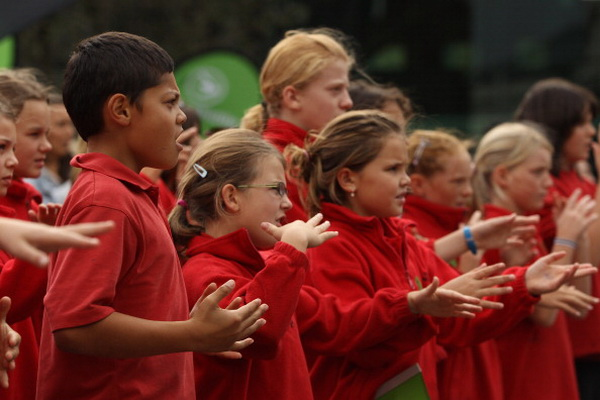 Фоторепортаж с акции  Superhaka for Christchurch  в поддержку жертв  землетрясения в Крайстчёрче. Фото: Hagen Hopkins/Getty Images