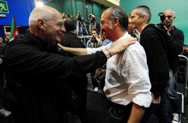 Фоторепортаж о победе консерваторов на региональных выборах в Испании. Фото: AFP PHOTO/ DANI POZO