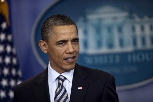 Слухи заставили президента Обаму обнародовать свое свидетельство о рождении. Фото: Brendan Smialowski/Getty Images