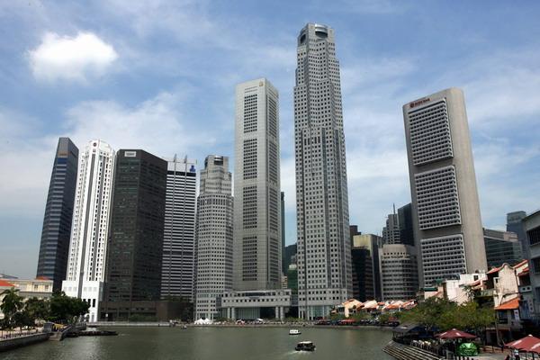 Сингапур обогнала Гонконг. Вид на финансовый центр Синагпура. Фото: ROSLAN RAHMAN/AFP/Getty Images