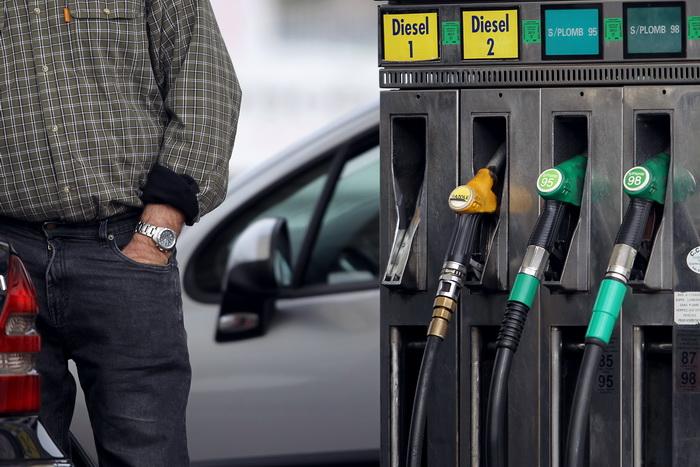 Какой должна быть справедливая цена на нефть? Фото: CHARLY TRIBALLEAU/AFP/Getty Images