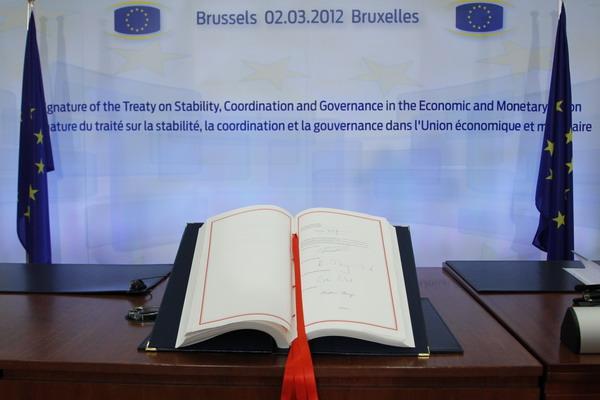Межправительственный договор по стабильности, координации и упрвлению экономического и монетарного союза ЕС. Фото: FRANCOIS LENOIR/AFP/Getty Images