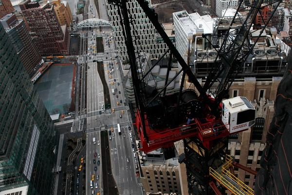 Вид на город с высот новостройки. Фото: Chris Hondros/Getty Images