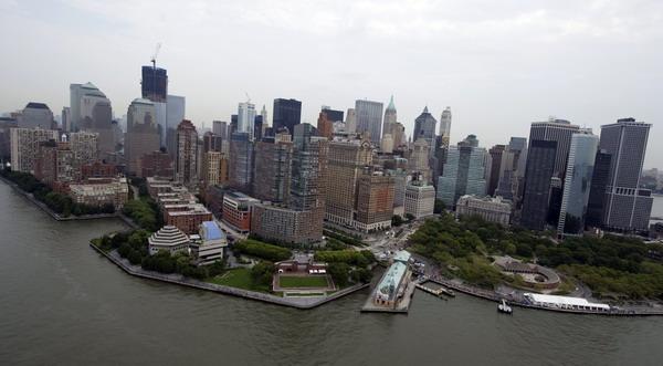 Вид на Манхетен и новое здание ВТЦ. Фото: Spencer Platt/Getty Images