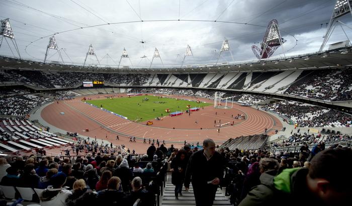 Лондон готовится к Олимпиаде-2012. Олимпийский стадион. Фото:  ADRIAN DENNIS/AFP/GettyImages