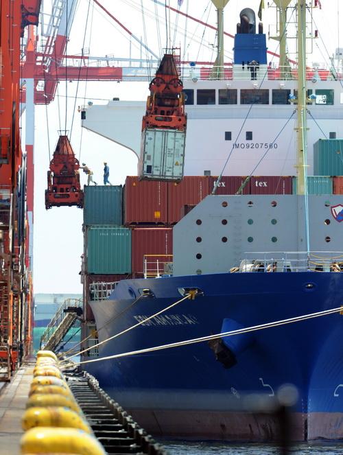 Морские порты Японии. Фото: YOSHIKAZU TSUNO/AFP/GettyImages