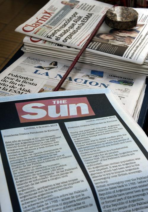 Новости The Sun теперь можно прочитать только за деньги. Фото: ALEJANDRO PAGNI/AFP/Getty Images