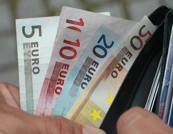 Китай активно скупает долги стран Евросоюза. Фото: Sean Gallup/Getty Images