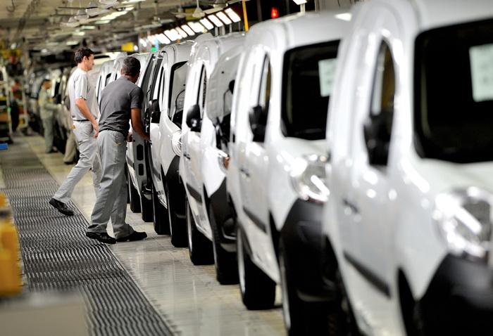 Трудные времена французских автопроизводителей. Фото: PHILIPPE HUGUEN/AFP/Getty Images