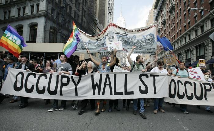 Протесты движения «Оккупируй Уолл-стрит» на Бродвее в Нью-Йорке 1 мая 2012 года. Фото: Monika Grafft/AFP/GettyImages