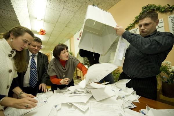 1.Выборы депутатов Госдумы в России. Фото: NATALIA KOLESNIKOVA/AFP/Getty Images