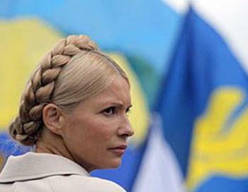 Судья Печерского суда в Киеве приговорил Тимошенко к семи годам заключения, кроме того экс-премьер должна заплатить НАК «Нафтогазу» нанесенный убыток от завышенных цен на газ - около 188 млн долларов. Фото с сайта lb.ua