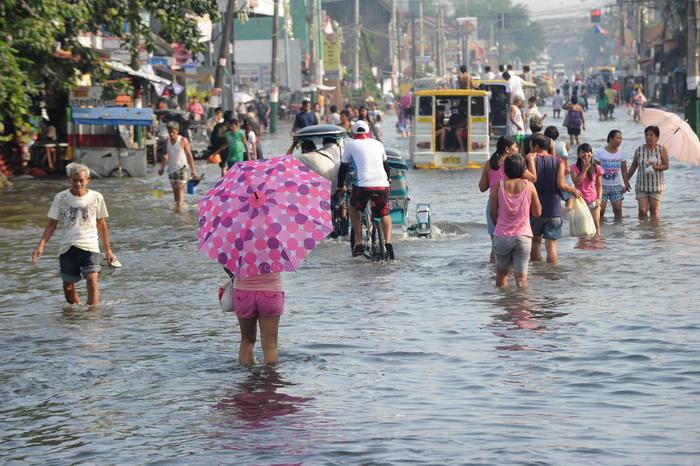 Экономика азиатских стран страдает от природных стихий. Фото:  JAY DIRECTO/AFP/GettyImages