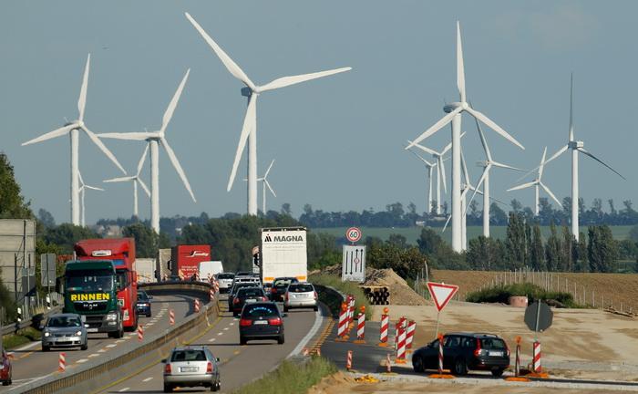 Ветряные турбины входят в моду. Фото:  Sean Gallup/Getty Images