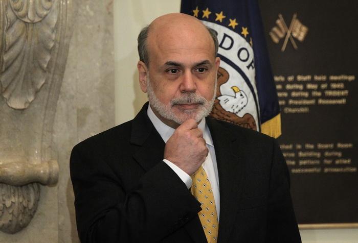 В США спорят о повышении потолка госдолга. Глава ФРС США Бен Бернанке. Фото: Alex Wong/Getty Images