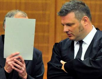 В зале суда. В Франкфурте-на-Майне начался один из крупнейших процессов по раскрытию экономических преступлений в истории Германии. Фото с сайта The Local