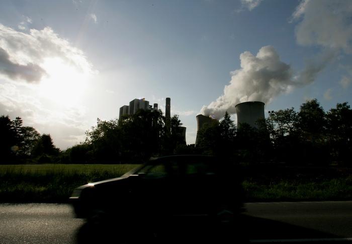 Угольная электростанция в Эшвайлер. Фото: Ralph Orlowski/Getty Images
