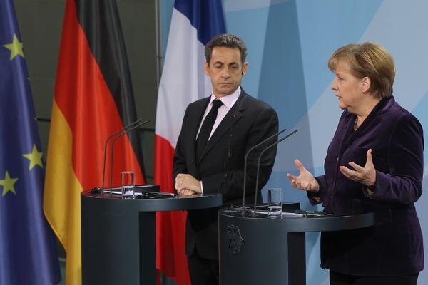 7. Как спасти Европу? Канцлер Германии Ангела Меркель и президент Франции Николя Саркози на встрече в Берлине. Фото: Sean Gallup/Getty Images