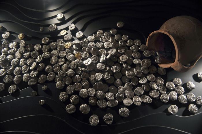 Британскую казну пополнят сокровища со дна моря. Фото: LOUISA GOULIAMAKI/AFP/Getty Images