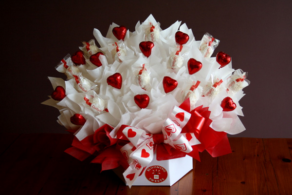Букет из шоколадных конфет.Фото с сайта www.max-gift.ru