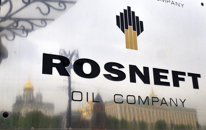 Rosneft заключает крупные сделки. Фото: DMITRY KOSTYUKOV/AFP/Getty Images