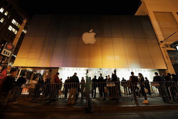 10. Магазин Apple в Санфранциско, США. Фото:  Kevork Djansezian/Getty Images