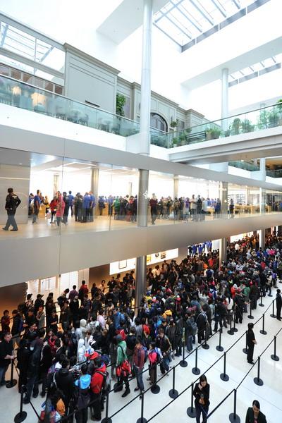 7. Магазин Apple в Гонконге. Фото: aaron tam/AFP/Getty Images