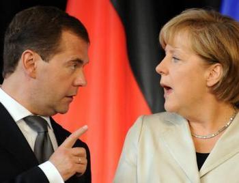 Меркель и Медведев: Лучше спорить, чем молчать. Фото:Abendblatt.