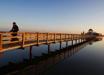 Озеро Вистонида, уступленное монастырем государству по непомерно завышенной цене. Фото: tagesschau.sf.tv