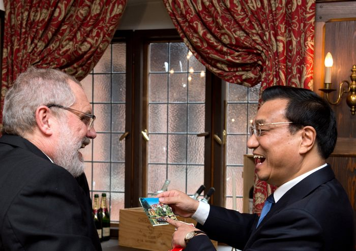 Новый премьер-министр Китая Ли Кэцян посетил Германию во время своей первой официальной зарубежной поездки 26 и 27 мая 2013 г. Фото: Sean Gallup/Getty Images