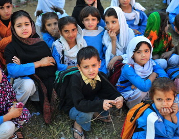 Школьники в Пакистане. Фото: FAROOQ NAEEM/AFP/Getty Images