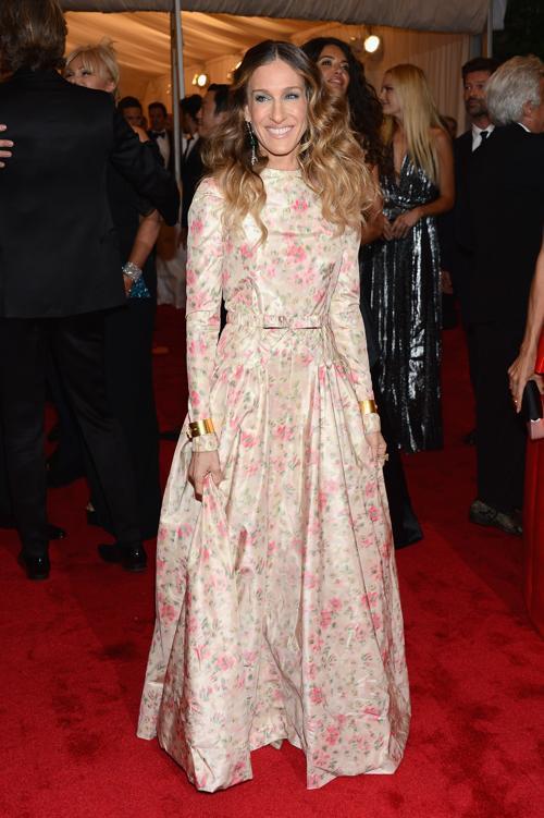 Сара Джессика Паркер (Sarah Jessica Parker) на модном событии Нью-Йорка от «Эльза Скиапарелли и Миуччиа Прада». Фоторепортаж. Фото: Dimitrios Kambouris/Getty Images