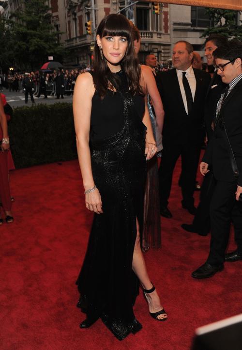 Лив Тайлер (Liv Tyler) на модном событии Нью-Йорка от «Эльза Скиапарелли и Миуччиа Прада». Фоторепортаж. Фото: Larry Busacca/Getty Images