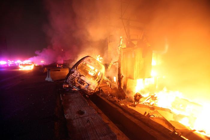 Число погибших в Мексике от взрыва цистерны с газом достигло 23 человек. Фото: VICTOR ROJAS/AFP/Getty Images