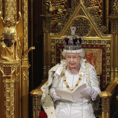 Королева Елизавета II с трона зала Палаты лордов произносит свою речь. Фоторепортаж. Фото: Oli Scarff - WPA Pool/Getty Image