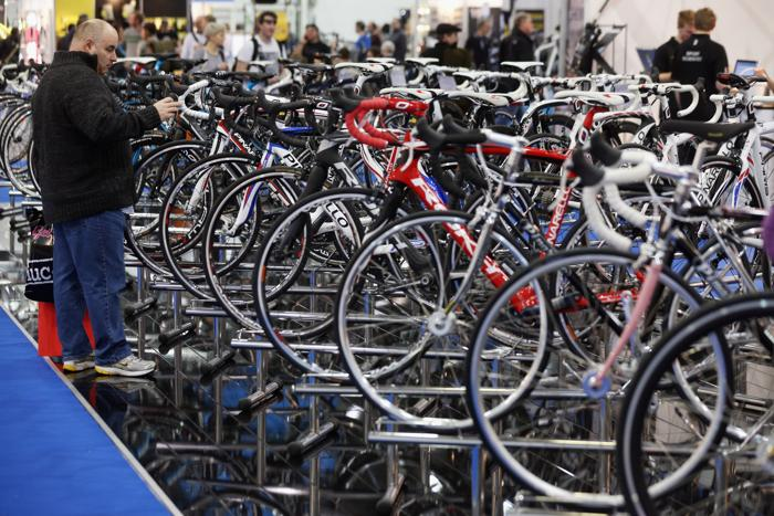 Фоторепортаж с велосипед шоу в центре ExCel, Англия, 17 января 2013 года. Фото: Oli Scarff/Getty Images