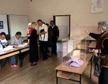 Косово, выборы. Фото: SASA DJORDJEVIC/AFP/GettyImages