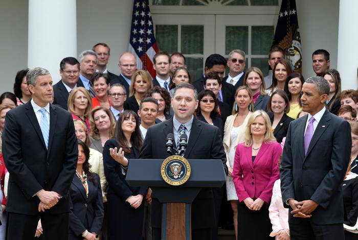 Национального учителя года США поздравил президент в Белом доме. Фото: JEWEL SAMAD/AFP/Getty Images
