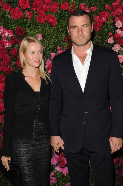 Лев Шрайбер, американский театральный киноактёр, с супругой Наоми Уоттс на вечере Chanel кинофестиваля Tribeca в Нью-Йорке. Фоторепортаж. Фото: Craig Barritt / Getty Images