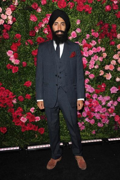 Варис Ахлувалиа, индийский актёр и дизайнер ювелирных украшений, на вечере Chanel кинофестиваля Tribeca в Нью-Йорке. Фоторепортаж. Фото: Craig Barritt / Getty Images