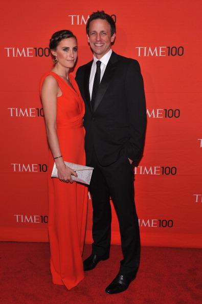 Сет Майерс, американский актёр и комик, с подругой Алексией Эш на праздновании Гала-100 в Нью-Йорке. Фоторепортаж. Фото: Fernando Leon/Getty Images for TIME