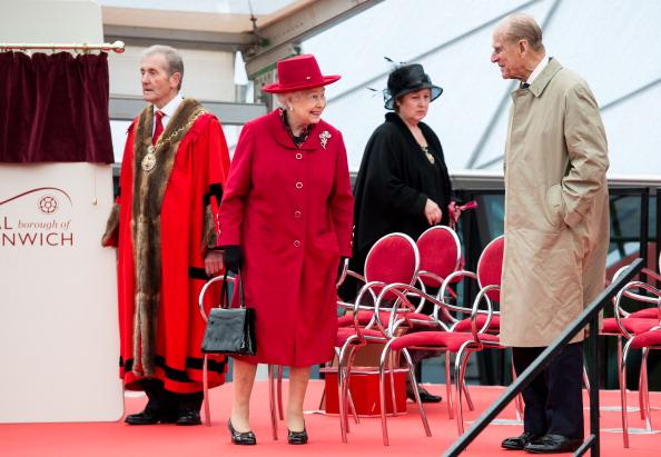 Елизавета II и принц Фелипп на открытии музея-парусника в Гринвиче. Фоторепортаж. Фото: Jamie Wiseman/WPA Pool/Getty Images