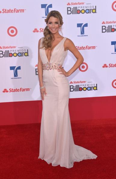 Аллесандра Виллега (Alessandra Villega) на церемонии вручения музыкальных премий Billboard Latin Music Awards 2012 в Майами. Фоторепортаж. Фото: Rodrigo Varela/Getty Images