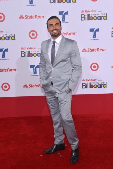 Габриэль Валенсуэла (Gabriel Valenzuela), колумбийский актёр, на церемонии вручения музыкальных премий Billboard Latin Music Awards 2012 в Майами. Фоторепортаж. Фото: Rodrigo Varela/Getty Images
