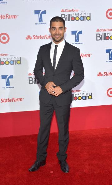 Уилмер Вальдеррама (Wilmer Valderrama), венесуэльский американский актёр и телеведущий, на церемонии вручения музыкальных премий Billboard Latin Music Awards 2012 в Майами. Фоторепортаж. Фото: Rodrigo Varela/Getty Images