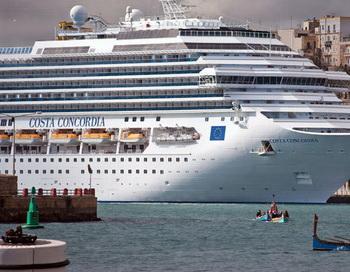 Круизный лайнер Costa Concordia. Фото РИА Новости